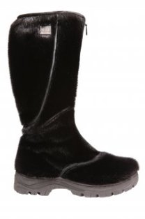 Winter fur boots with retractable traction sole